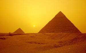 In Land of Pyramids and Sand